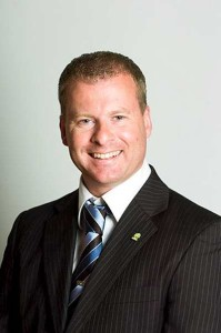 Roar Lund er daglig leder og arbeider som senior rådgiver og autorisert regnskapsfører (senior advisor and certified accountant.)